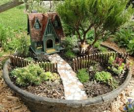 miniature gardening com cottages c 2 fairy gardens did that just happen blog