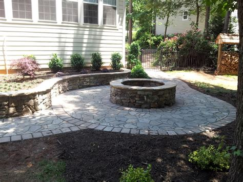 pit retaining wall retaining wall pit with belgard paver