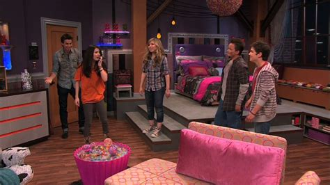 icarly bedroom icarly 4x01 igot a hot room icarly image 21399828