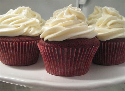 best frosting for velvet cupcakes fluffy cheese frosting