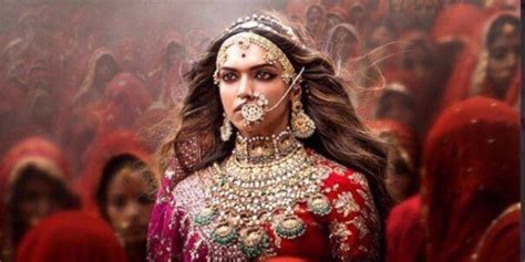 Farmhouse Movie by Poster Alert Padmavati Release Date Gets Preponed