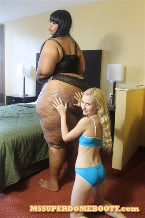 Odette Delcroix Is Impressed By Giant Booty