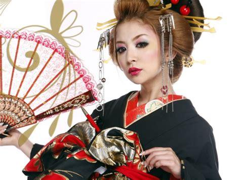 Kimono Maskara kimono makeup mugeek vidalondon
