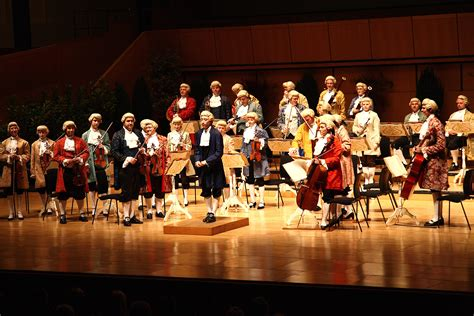 new year song orchestra file concert vienna mozart orchestra jpg wikimedia commons