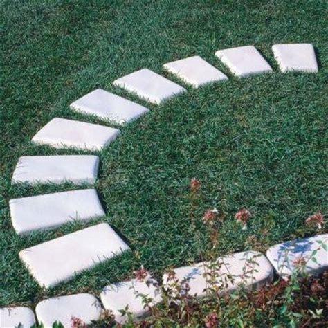 camminatoio giardino realizzare camminamenti in giardino pavimento da esterni