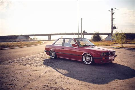 bmw e30 slammed slammed bmw e30 sedan imgkid com the image kid has it