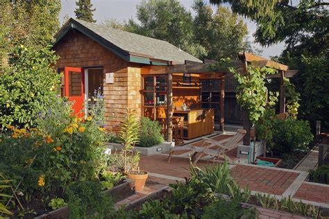 backyard cottage ideas 100 backyard cottage designs free backyard guest