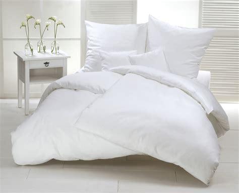 oreillers en des couettes et des oreillers en plumes d oie