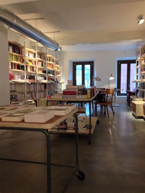 libreria milanese intervista ai proprietari di verso nuova libreria e bar