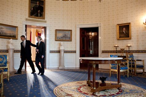 barack obama bedroom file barack obama and steven chu in the blue room jpg