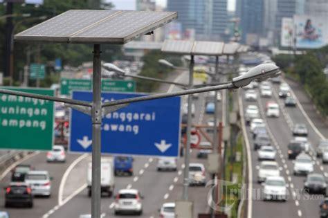 Lu Jalan Tenaga Surya lu penerangan jalan tenaga surya foto 1 1635496 tribunnews