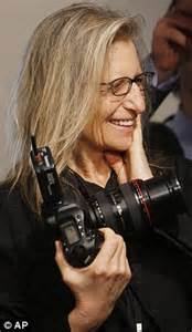 d day for annie leibovitz as she must repay £16m by today