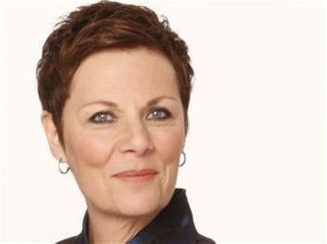 jane elliot hairstyle as tracy jane elliot gh pinterest