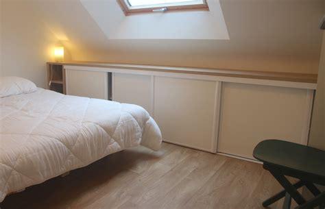 meuble pour chambre mansard馥 rangement chambre mansarde stunning great armoire de