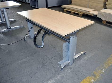 höhenverstellbarer schreibtisch elektrisch gebraucht elektrisch h 246 henverstellbarer schreibtisch sch 228 rf b 252 ro ebay