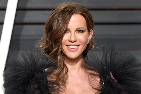 designcrowd net worth kate beckinsale weight wiki favorite things height
