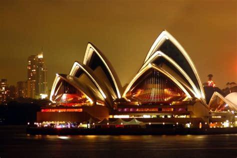 stunning sydney opera house night images