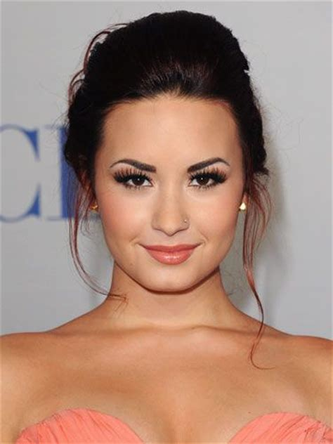 Which Demi Flawless Look Is Most Fab by Demi S Makeup Is Always Flawless And She Proves It Yet