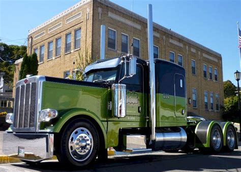 Michigan Truck Displays Customized Trucks Parade Of