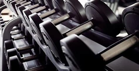 How to use free weights for women