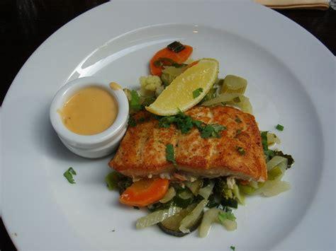 cucinare pesce al forno ricetta pesce persico gratinato al forno ricette di