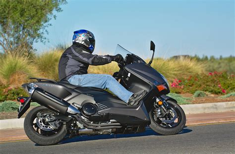 2015 Yamaha TMAX: MD Ride Review « MotorcycleDaily.com