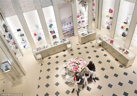 Interior Design Credentials Inside Christian Dior S Very Opulent Mayfair Store With