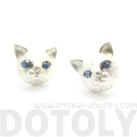 3d cat animal shaped stud earrings in silver