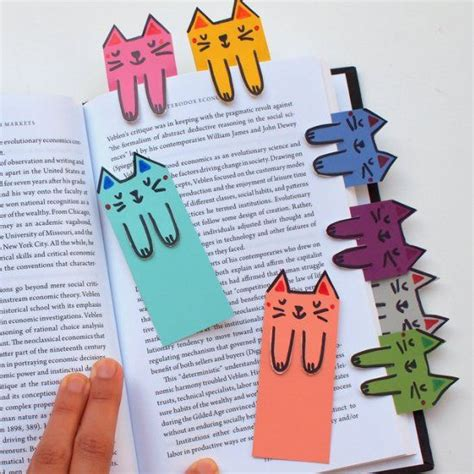 libro arts crafts 1 cat and book lovers unite these cute cat bookmarks are colorful fun and free to make diy