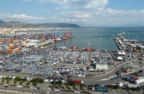 il porto il porto di salerno si lia tvoggi salernotvoggi salerno