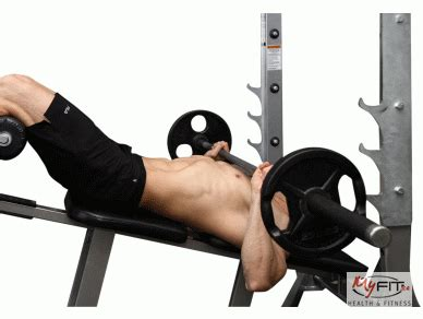 how to do decline bench press decline press exercise myfit