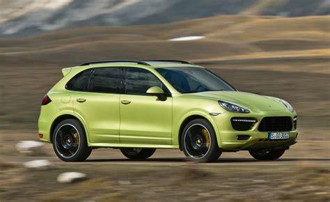 Porsche Cayenne Horsepower by 2013 Porsche Cayenne Gts Revealed With 420 Lime Green