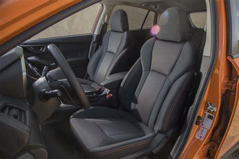 subaru crosstrek interior 2018 subaru crosstrek front interior seats 03 motor trend
