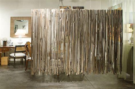 arredare parete soggiorno parete divisoria per un soggiorno alla moda e di design