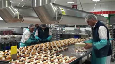emirates flight catering 38 million meals a year
