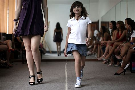 Catwalk Talks To Students At The College Of Fashion Ma Show by A Practices The Catwalk At A Modelling School In