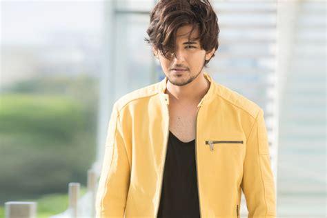 darshan raval announces romantic track   valentine