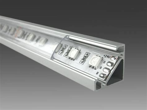 alimentatori per lade led striscie led marino cristal profilo angolare in alluminio