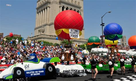 500 Festival Parade 2017 Floats And Marching Bands Indiana Reels From Parade Float