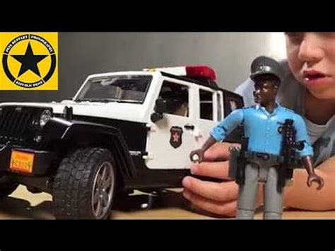 police jeep toy bruder toys police jeep unboxing 02526 jeep wrangler