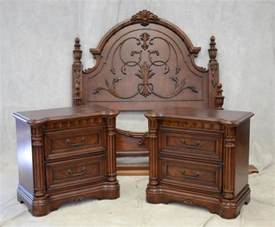 Chris Madden Bedroom Set Three Piece Chris Madden Bedroom Set To Include A Full Size