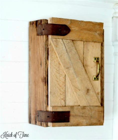 farmhouse sliding door cabinet pallet projects farmhouse style page 3 of 20 knick of