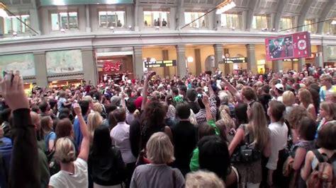 tutorial flash mob beat it michael jackon beat it flash mob centralstationen
