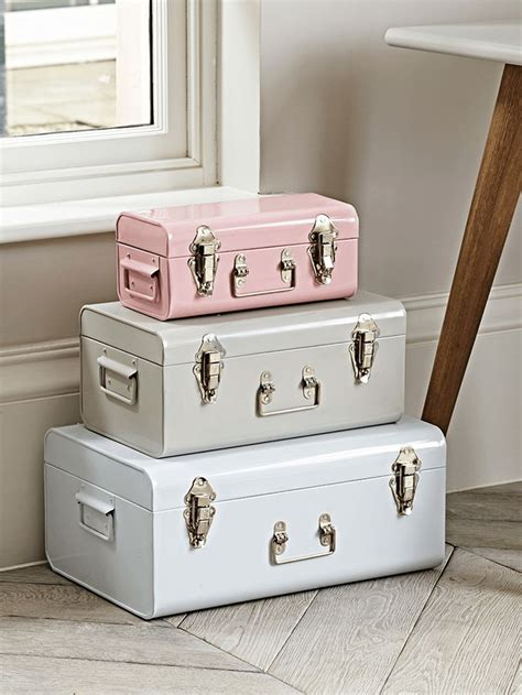 metal trunks white putty blush p