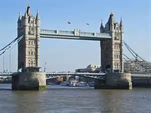 tower bridge l embl 232 me de londres geo fr