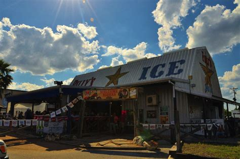 billys ice house austin s new entertainment rival a look at the new braunfels music scene keller