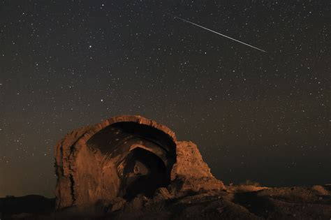 Meteor Shower October 8 by A Meteor Shower And 8 More Can T Miss Sky Events In October
