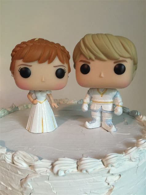 Funko Pop Disney Frozen Kristoff princess and kristoff funko pop wedding cake topper set