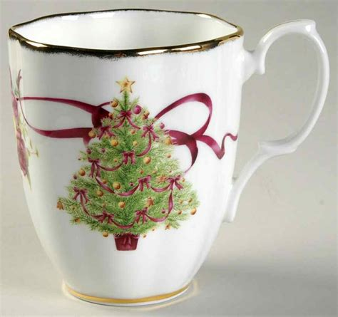 royal albert old country roses christmas tree mug 9508138