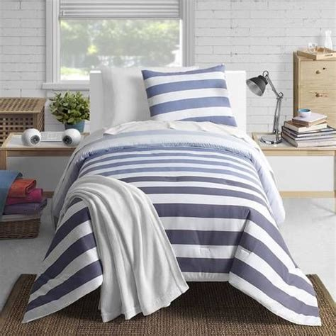 comforters for mens bedrooms 9 best images about young mens bedrooms on pinterest quilt comforter and boy rooms